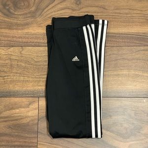 Black Adidas yoga pants